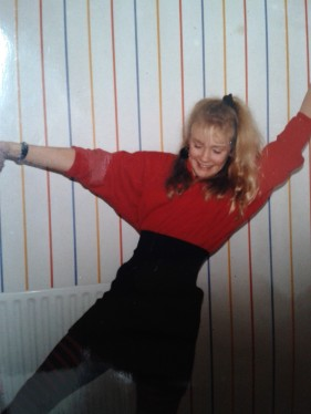 1988 - striped tights, elasticated corset belt & a scrunchie