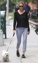 Olivia Palermo does cropped and fitted