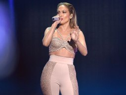 NO! Jennifer Lopez - it's impossible not to look isn't it?