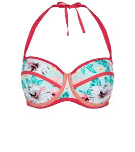 Underwired moulded bikini top £14.99 at New Look